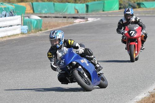 http://www.mini-motogp.com/2012/DSC_0459.jpg