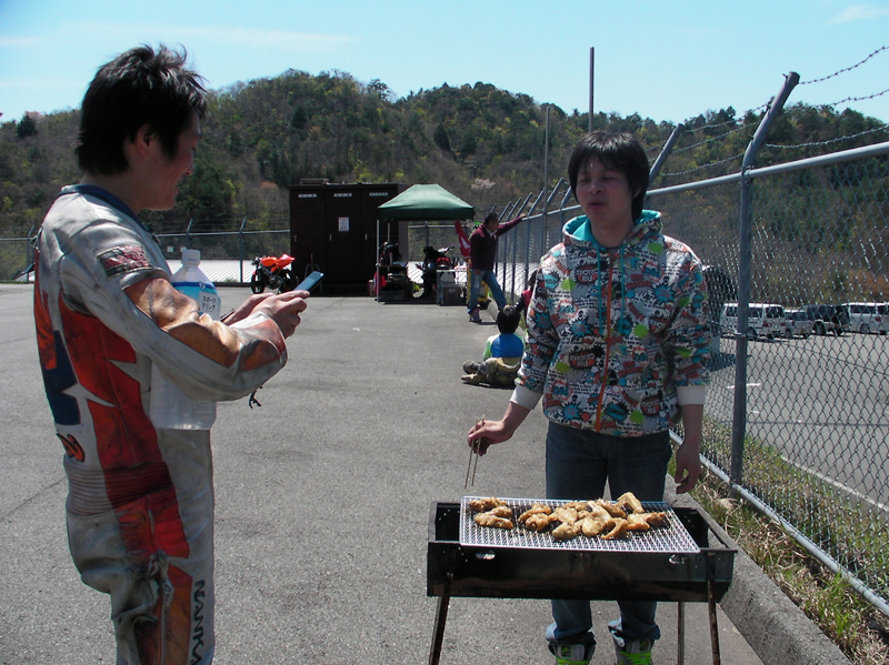 http://www.mini-motogp.com/upload/photo/0425/SANY0299.jpg